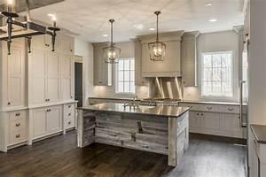 Friday Favorites: Farmhouse Kitchens - House of Hargrove