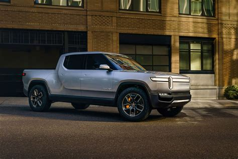 leads 700 million investment in electric car startup rivian roadshow