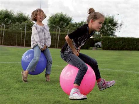 ballon sauteur un jouet pour enfant indémodable depuis plus de 30 ans