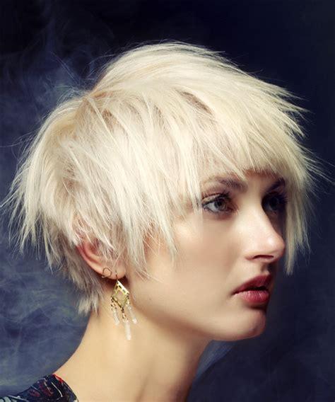 short straight casual shag hairstyle  blunt cut bangs