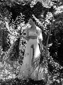 Duchess of windsor wears a line wedding dress in for Windsor wedding dresses
