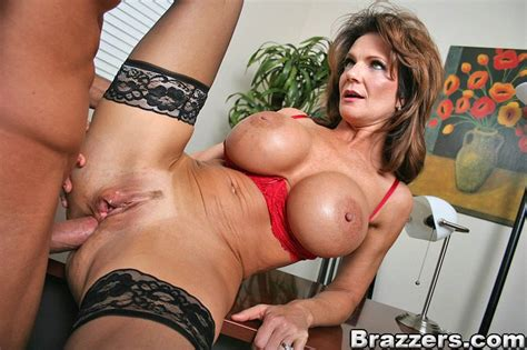 Official The Scent Of A Woman Video With Deauxma
