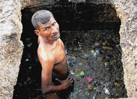 indias sewer cleaners  working  ban  job