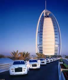 My night in Dubai's 7-star Burj Al Arab with revolving ...