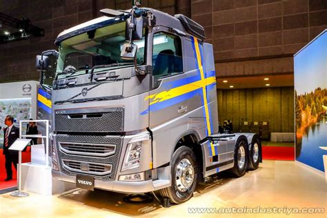 volvo trucks philippines geely holding acquires 8 2 stake in volvo trucks truck
