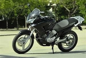 Moto Honda Automatique : essai moto honda varadero 125 dx ~ Medecine-chirurgie-esthetiques.com Avis de Voitures