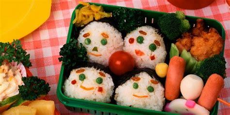 Berikut ini resep makanan yang dijamin membuat anak bakal gemar mengkonsumsi sayuran anak senang mengkonsumsi nuget, daging olahan yang lezat tanpa ada tulang di dalamnya. Resep Makanan Sehat untuk Anak - Cara Merawat Kulit Wajah