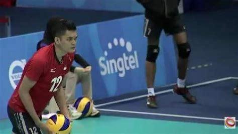 pemain muda bola voli  depan indonesia