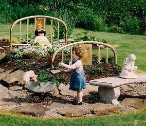 Recycling, Metal, Bed, Frames, For, Flower, Beds, 20, Creative, And, Eco, Friendly, Backyard, Ideas