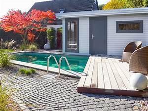 Sauna Für Garten : familiengarten mit schwimmteich und sauna ~ Buech-reservation.com Haus und Dekorationen