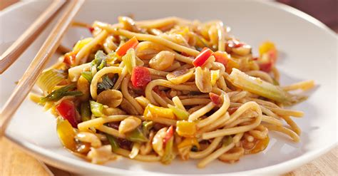 how to make simple noodles at home you won t believe how easy these spicy peanut noodles are to make at home 12 tomatoes