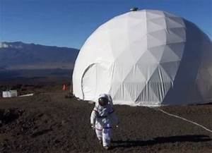 6-Member Team Prepared By NASA For Mars Mission in Hawaii ...