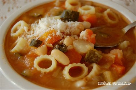 recette de cuisine italienne traditionnelle le minestrone une soupe savoureuse venue d 39 italie