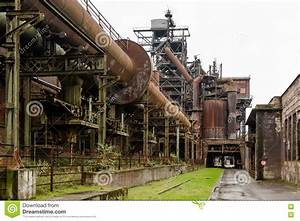 Am Kamin Duisburg : alte industriegeb ude beim landschaftspark duisburg stockbild bild von kamin denkmal 75635367 ~ Markanthonyermac.com Haus und Dekorationen