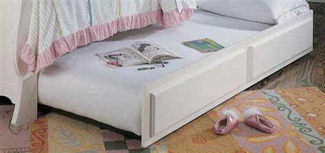 bed for boys lea victoria sleigh bed furniture 930 9x6r at homelement com 10229 | md Lea930 909