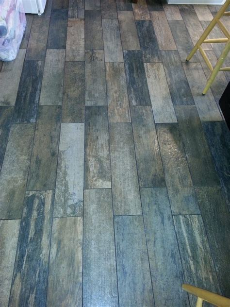 tile flooring that looks like home design ceramic tile flooring that looks like wood floor ideas in 87 breathtaking wegoracing