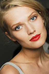 Natural Eye Makeup with Red Lips