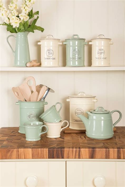 Kitchen Accessories For Country Kitchen Design