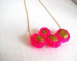 PALENQUE neon pink statement necklace