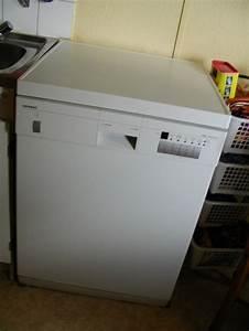 Déboucher Un Lave Vaisselle : machine a laver la vaisselle siemens table de cuisine ~ Dailycaller-alerts.com Idées de Décoration