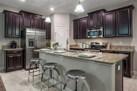 parade  homes features  lennar floorplans