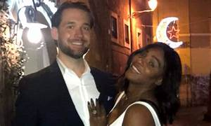serena williams shows off enormous engagement ring With serena williams wedding ring