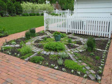 16+ Square Garden Designs, Ideas