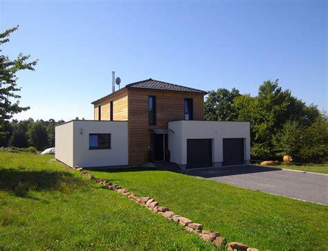 plan de maison plain pied gratuit 3 chambres maison bois cubique à toit plat nos maisons ossatures bois