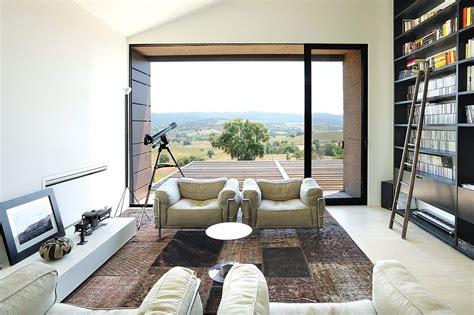 Casa En La Toscana De Piero Lissoni  Salas Chic  Home