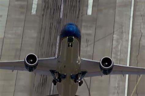 boeing  dreamliner le decollage  la verticale depuis