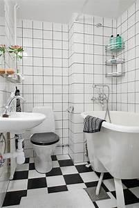 Fliesen Schachbrett Schwarz Weiss : kleines bad fliesen helle fliesen lassen ihr bad gr er erscheinen ~ Markanthonyermac.com Haus und Dekorationen