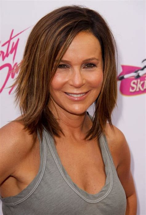 60 Shoulder Length Hairstyles for Women Over 50