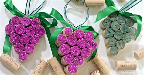 diy wine cork grape christmas ornaments hipsave