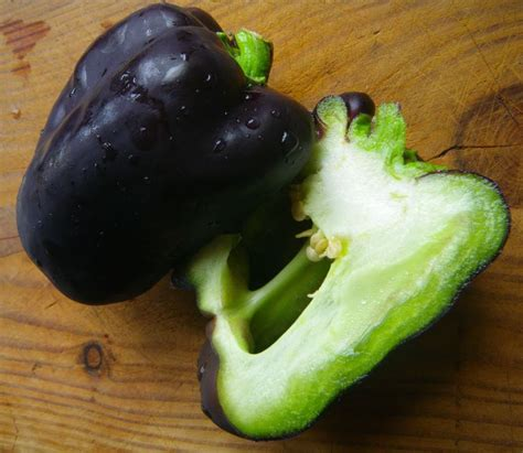 cuisiner les poivrons verts les poivrons blancs et violets la ronde des délices