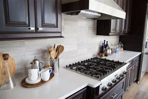 Kitchen Countertops And Backsplash Pictures by When To Use A Backsplash And When Not To