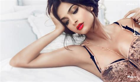 beautiful actress shooting kiss sonam kapoor hot cleavage photoshoot with white background