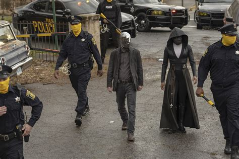 cast  hbos watchmen talks adapting   beloved