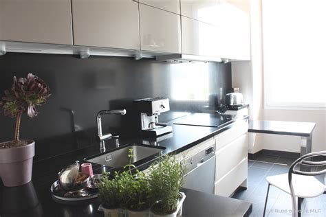 cuisine 2 couleurs cuisine moderne et déco aux couleurs subtiles et