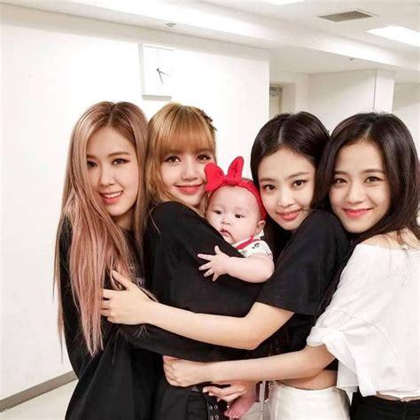 #art #black #blue #blackpink lisa #blackpink #blackpink jennie #jenner #cute. BLΛƆKPIИK 블랙핑크 #korea #girlband #beauty #cute #love # ...