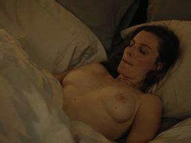 Nackt  Janet McTeer About Netflix