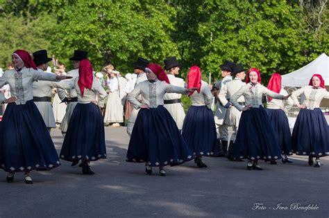Kuldīgas novada kolektīvi dodas uz Dziesmu un deju ...