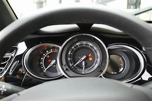 Citroen Ds3 Interieur : photos citroen ds3 cabrio sport chic interieur exterieur ann e 2013 cabriolet ~ Gottalentnigeria.com Avis de Voitures