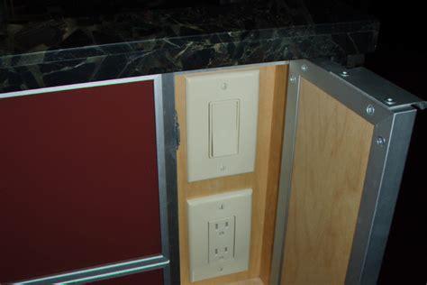 hidden light switch  outlet   maui kitchen island