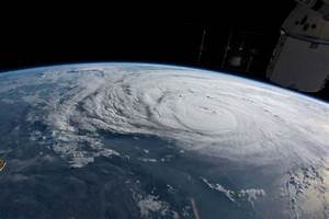 Furacão Harvey enfraquece e deve se tornar tempestade ...