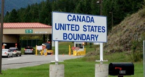 officials threat closes busy  canada border crossing