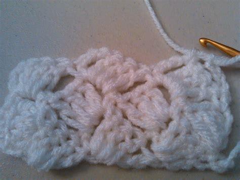shell stitch crochet crochet crazy shell stitch slanted shell puntada conchas locas en crochet youtube