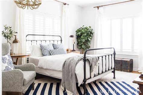 blue  white bedroom ideas  summer maison de pax