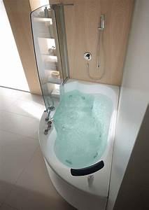 Eckbadewanne Mit Dusche : kompakte eck badewanne mit whirlpool funktion f r vollste entspannung ~ Markanthonyermac.com Haus und Dekorationen