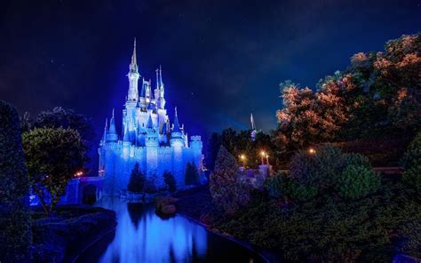 Disneyland Iphone 11 Wallpaper by Disney Screensavers And Wallpapers 73 Images