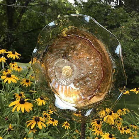 repurposed glass flowersuncatcherwall decorgarden art garden art glass plate flowers art